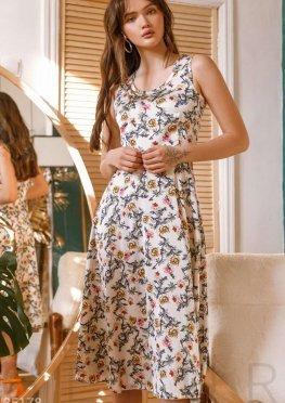 Комфортное цветочное платье
