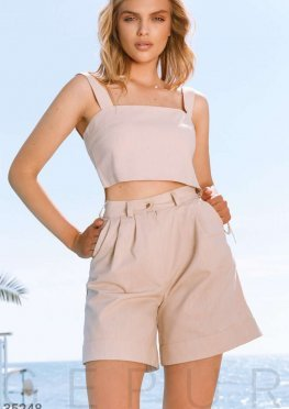 Бежевые шорты в стиле casual