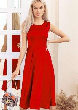 Цветочное платье красного цвета