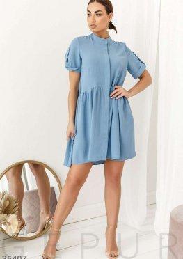 Платье глубокого голубого цвета