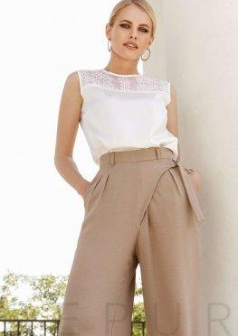 Блуза с изящной вышивкой