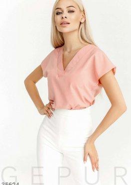 Пудровая блуза из невесомой ткани