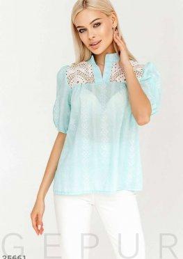 Голубая блуза в этническом стиле