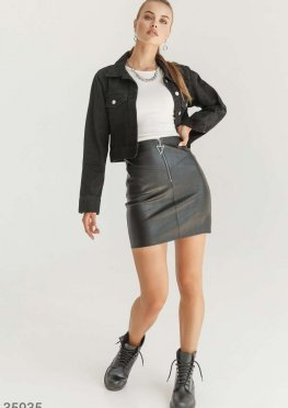 Черная кожаная мини-юбка