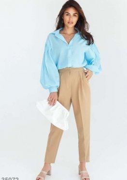 Стильные укороченные брюки бежевого цвета
