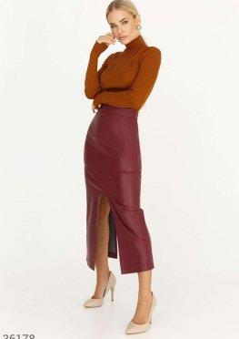 Кожаная юбка трендового оттенка марсала