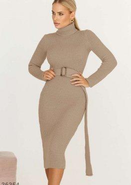 Теплое платье-водолазка базового цвета