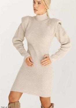 Платье-миди с оригинальными рукавами