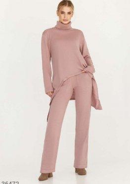 Трикотажный костюм с асимметричным пуловером