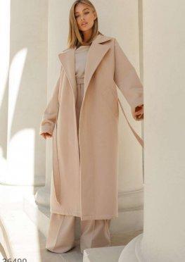 Теплое пальто базового бежевого цвета