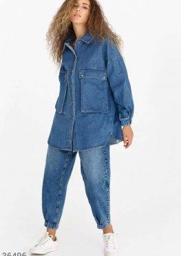 Удлиненная джинсовая рубашка с накладными карманами