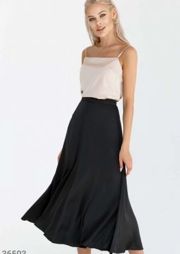 Базовая черная юбка с лаконичным кроем