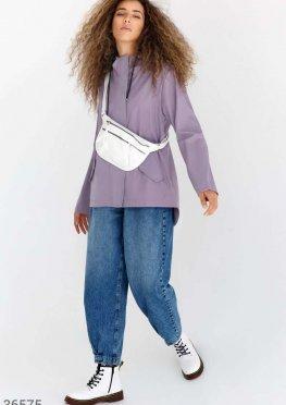 Сиреневая куртка с капюшоном