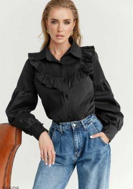 Черная рубашка с рюшами