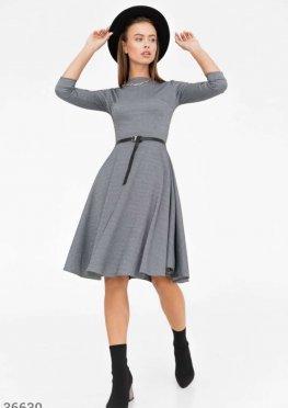 Платье-миди с объемной юбкой
