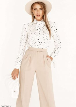 Воздушная блуза с гороховым принтом