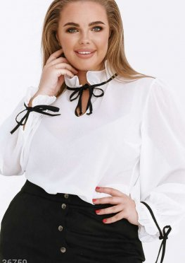 Воздушная блуза с рюшами