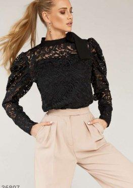Ажурная блуза из крупного кружева