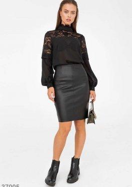 Ультрамодная кожаная юбка лаконичного кроя