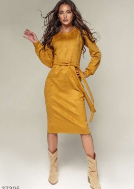 Замшевое платье-миди горчичного оттенка