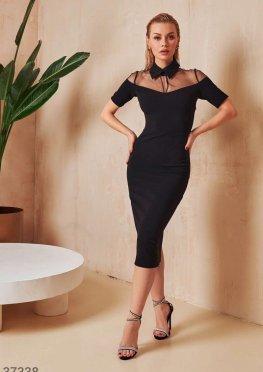 Облегающее платье с полупрозрачной кокеткой