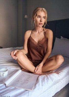 Шелковая пижама шоколадного оттенка