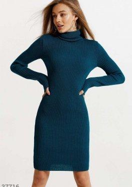 Теплое облегающее платье
