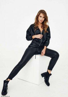 Черный casual-костюм из кожи