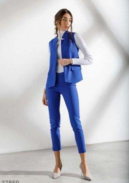 Брючный костюм синего цвета
