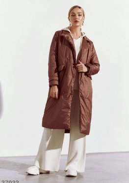Двубортное пальто из плащевого материала
