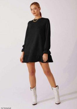 Черное романтичное платье из замши