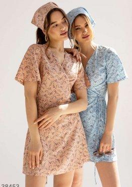 Женственное платье с косынкой