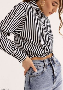 Полосатая рубашка с узлом