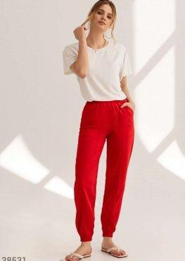 Яркие брюки-джоггеры с карманами