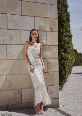 Длинное платье с мерцающим эффектом