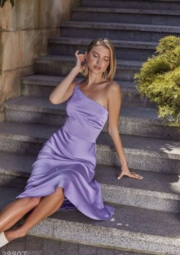 Сиреневое платье из шелка