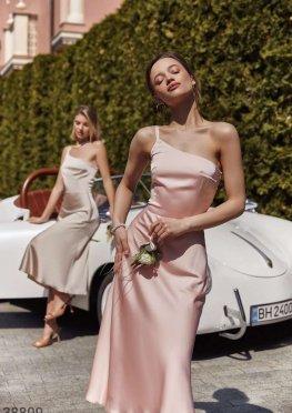 Нежное персиковое платье