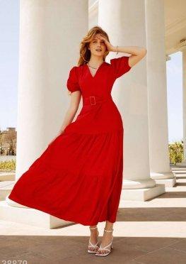 Красное платье с объемной юбкой