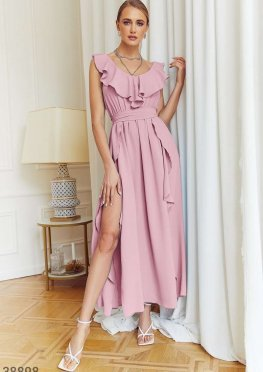Пудровое платье с воланами