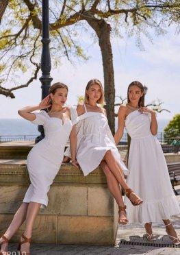 Белоснежное платье облегающего кроя