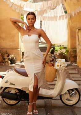 Белоснежное платье-бандо