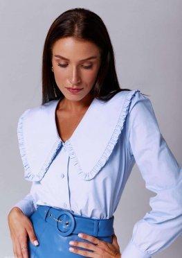 Трендовая блуза с акцентным воротником