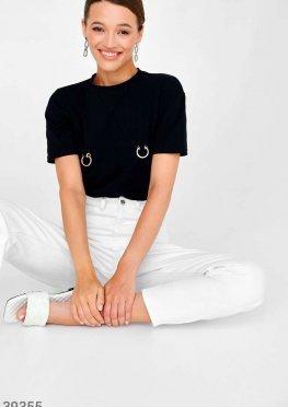 Черная футболка с кольцами