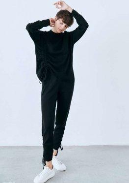 Черный костюм с завязками