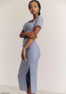 Синий классический костюм с юбкой