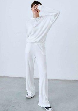 Молочный костюм в рубчик