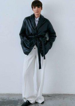 Черная куртка из эко-кожи