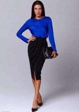Яркая синяя блуза из шелка