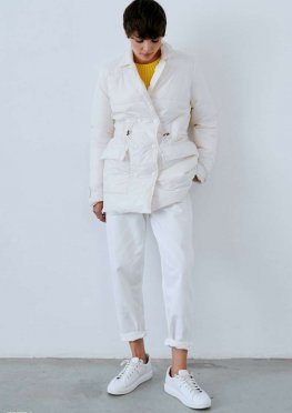 Осенняя молочная куртка
