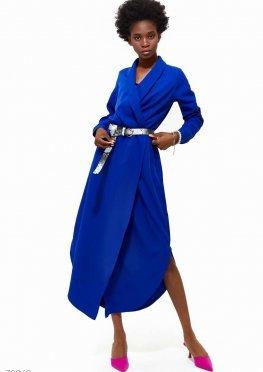 Яркое платье с поясом